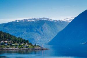 výhled z trajektu na norský fjord