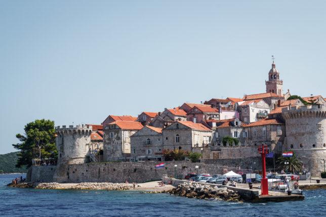 výhled na město Korčula, kde Chorvatsko bez turistů rozhodně nečekejte